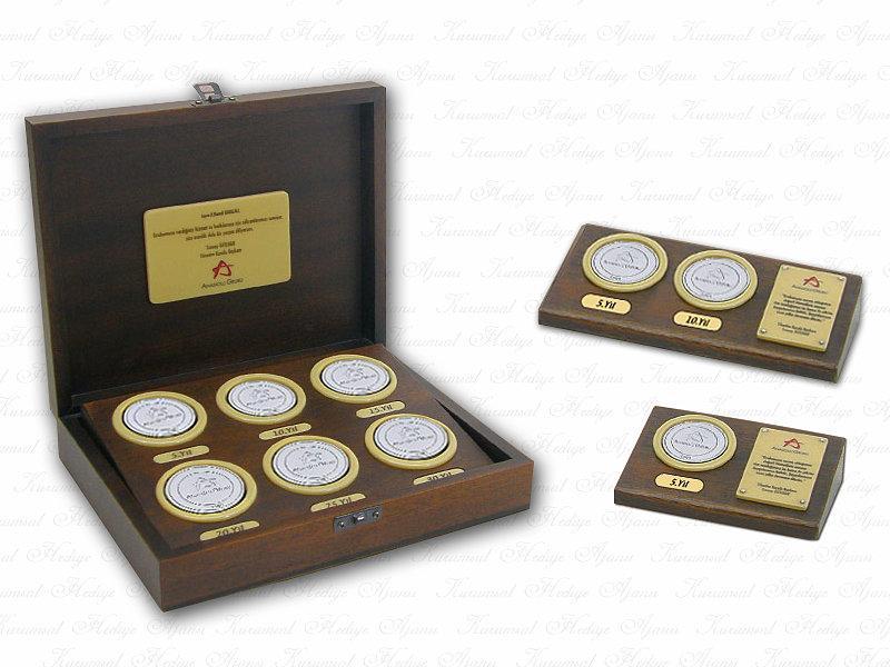 Custom Design Solid Wooden Seniority Box