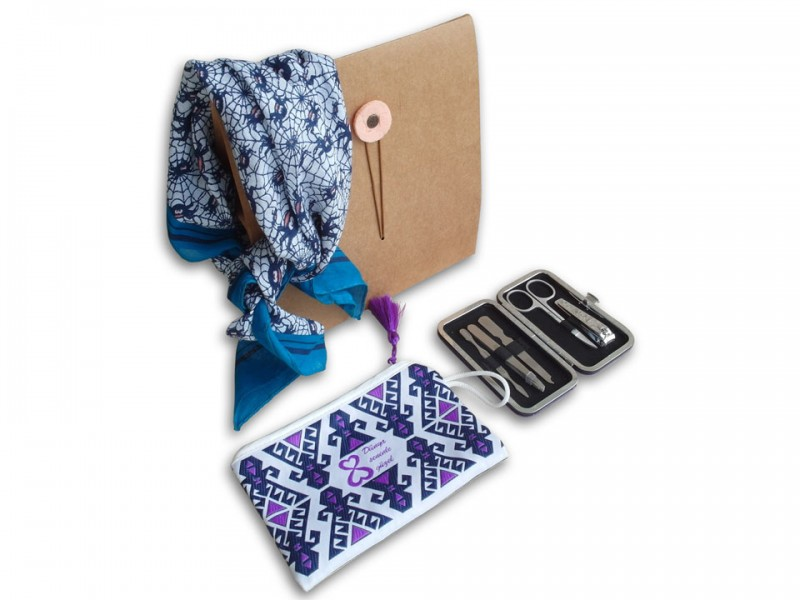 Gift Set with Manicure Set, Wallet and Scarf