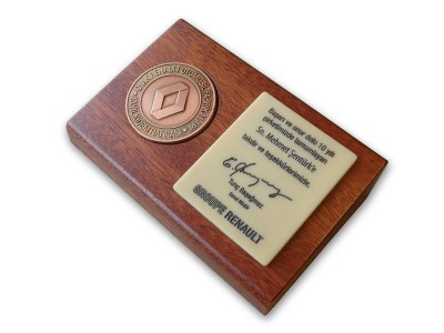 Seniority Award Plaquet Made for Renault