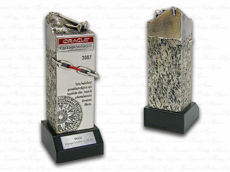 Custom Design Plaque Made for Oracle